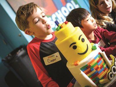 3 maneiras que a Bricks 4 Kidz pode fazer o aniversário do seu filho ser um sucesso!